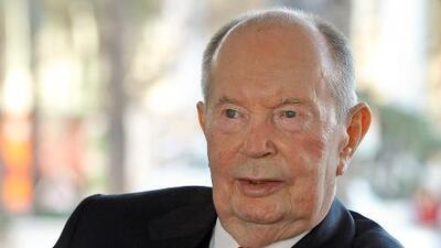 Jerry Perenchio, ex propietario de Univision, muere a los 86 años