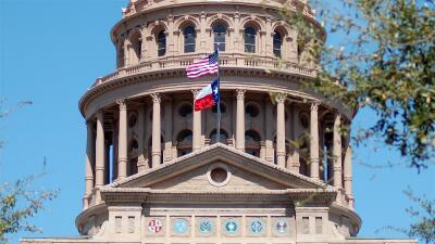 SB4, texting y más: te presentamos algunas de las nuevas leyes de Texas