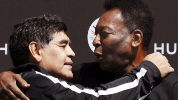 La emotiva despedida de Pelé y más reacciones de los famosos por la muerte de Maradona