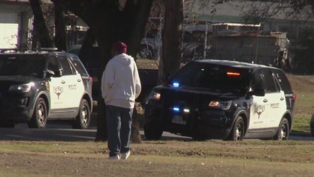 Preocupación entre vecinos por recientes delitos que se han registrado en un vecindario de Fort Worth