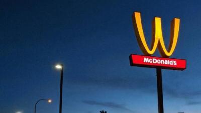 McDonald's está girando sus logos y todos se preguntan '¿por qué?'