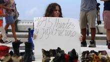 Miles de zapatos cuentan las historias de las muertes que el gobierno de Puerto Rico oculta