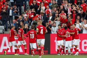 En fotos: Dinamarca se deshace de Gales que tuvo a un Gareth Bale desesperado