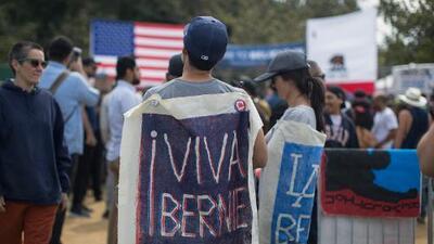 En el creciente fenómeno de las donaciones políticas de los hispanos Bernie Sanders luce como el mayor beneficiario