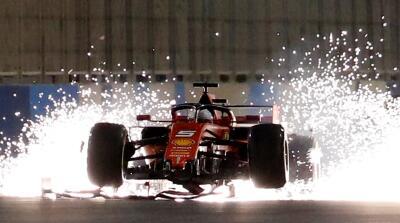 Día para el olvido en Ferrari en triunfo de Lewis Hamilton en el Gran Premio de Bahréin