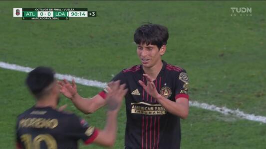 ¡Gol de Atlanta United! Gol de Jürgen Damm para el 1-0