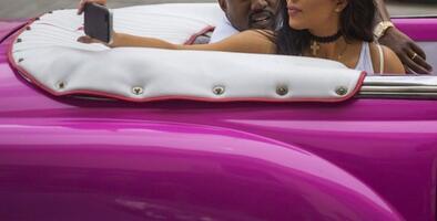 Kardashian en Cuba: ¿Desde cuándo los tontos no deben divertirse?