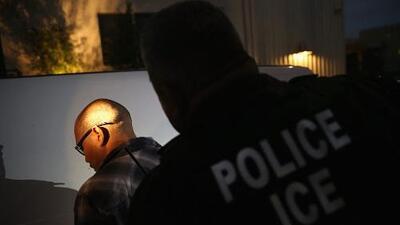 ICE y la Patrulla Fronteriza suspenden operativos en las zonas de California donde hay incendios