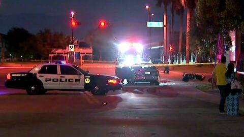 Un motociclista pierde la vida tras un choque con un auto en Sweetwater, Florida