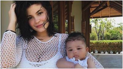 Las primeras fotos de Kylie Jenner en traje de baño luego del nacimiento de su hija, Stormi