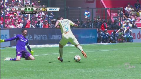 En accidentada jugada, Roger Martínez marcó el empate