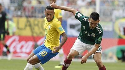 ¡El Chucky a la alza, Neymar a la baja! El mexicano fue elegido entre los mejores 50 jugadores del mundo