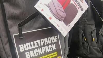 La venta de las polémicas mochilas antibalas ha aumentado en un 200% tras un fin de semana de masacres en EEUU