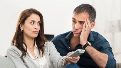 Como ver un juego de fútbol con tú pareja y no morir en el intento