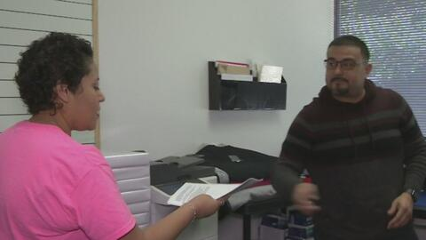 Una pareja abre su propia escuela en la ciudad de Garland para ayudar a las personas de origen hispano