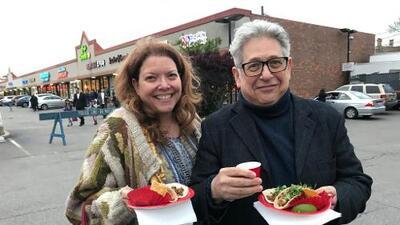 Cómo disfrutar dos recorridos gastronómicos en Albany Park (y en un solo día)