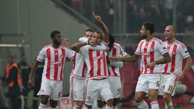 Olympiacos 2-1 Dinamo Zagreb: Felipe Pardo acerca a octavos al club griego con gol agónico