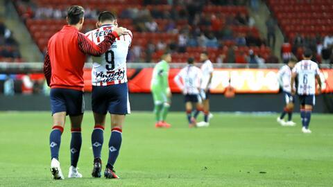 """Oswaldo Sánchez y Paco Villa: """"¡Alerta, alerta! Chivas está a un punto del descenso"""""""