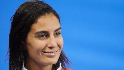 Paola Espinosa aplaude promesa de becas