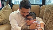 Christian Nodal conoce a un 'Ángel', un niño de 6 años que nació con espina bífida