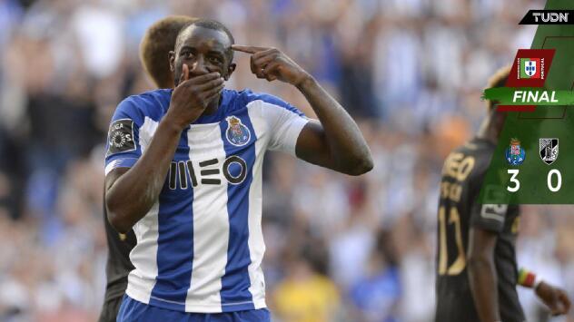 Con asistencia de 'Tecatito', Porto derrotó al Vitoria Guimaraes