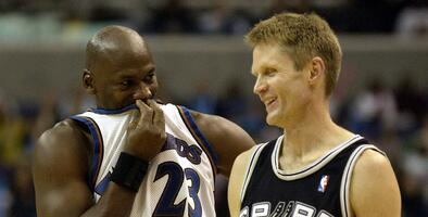 Kerr no está de acuerdo con Jordan sobre la cirugía de Pippen