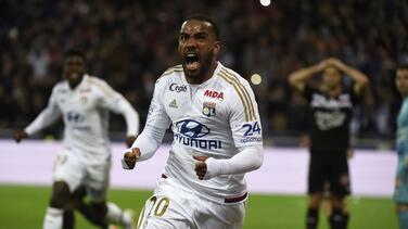 Lacazette rescata empate para el Lyon cerca del final