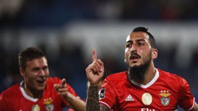 Benfica venció al Belenenses y es el nuevo líder en Portugal, Raúl Jiménez jugó 15 minutos