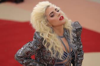 Desde el color de pelo de Lady Gaga hasta el 'Deflategate', las apuestas más curiosas del Super Bowl