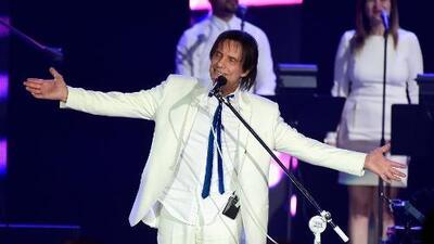 Los Grammy homenajean al cantante Roberto Carlos