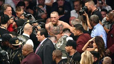 La policía de NY investiga a McGregor pero desmiente orden de detención