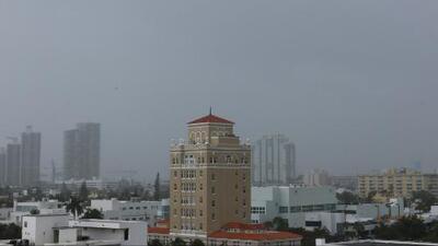 Se espera un viernes cálido en Miami con posibilidad de aguaceros y tormentas eléctricas