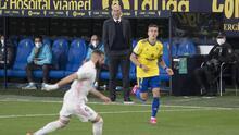 """Zidane espera que Real Madrid disfrute de Benzema """"mucho tiempo"""""""