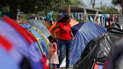 """La Patrulla Fronteriza llama """"anécdotas"""" las denuncias de solicitantes de asilo secuestrados mientras esperan en México"""