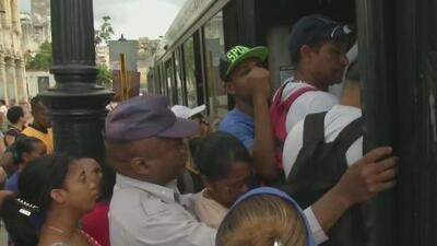 """""""El pueblo está totalmente a espaldas de eso"""": disidente cubana habla sobre crisis en la isla"""