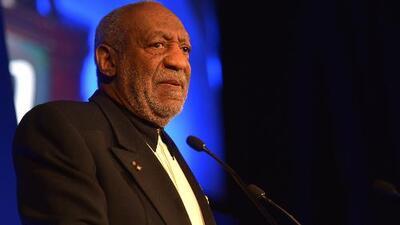 """La estrella de Bill Cosby en Hollywood fue pintada con la palabra """"violador"""""""