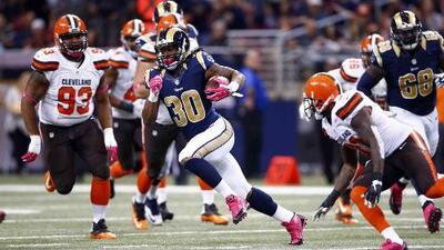 Browns 6 - 24 Rams: El novato Gurley corrió 128 yds con 2 TD para doblar a Browns (video)