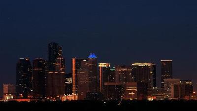 Una noche de viernes sin lluvias y con un leve ascenso en las temperaturas le espera a Houston
