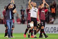 Paranaense a octavos de final de la Sudamericana y Santa Fe cerca de lograrlo