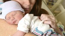Bebés prematuros sobreviven gracias al Método Madre Canguro