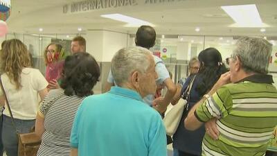 Cubanos que llegaron a Miami procedentes de la isla narran los momentos de tensión en el aeropuerto José Martí