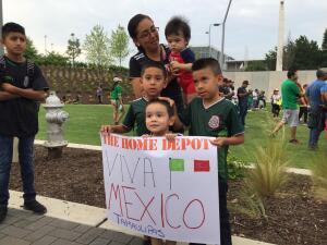 Tremendo ambiente el que armó la afición mexicana en Atlanta previo al juego del Tri