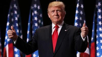 Trump confirma que está considerando recortar impuestos a los salarios para fortalecer la economía