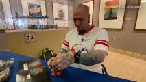 Tras un intento de suicidio y sufrir de adicción, este veterano de guerra reconstruyó su vida creando esculturas con piezas de Lego