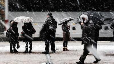 Tormenta se debilita tras dejar más de pie y medio de nieve en el área metropolitana de Nueva York