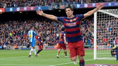 Luis Enrique elogia a Suárez tras marcar 100 goles con el Barcelona