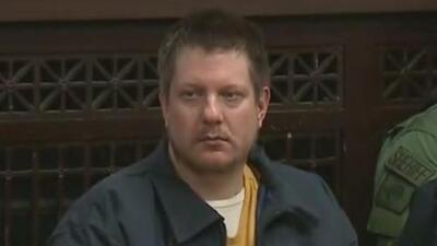 Jason van Dyke habría sido golpeado al llegar a una nueva prisión federal