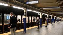 """""""Vale la pena"""": usuarios sobre la extensión del horario nocturno en el metro de Nueva York"""