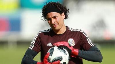Guillermo Ochoa, ¿con las horas contadas en el Standard Lieja?