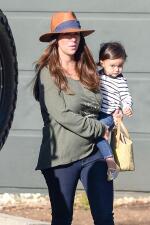 Jennifer Love Hewitt es toda una mami